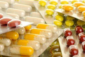 Какая терапия назначается при лечении ВИЧ. Обзор антиретровирусных препаратов для лечения инфекции, их классы, виды, принципы действия. Схема приема лекарств и дозировки. Побочные действия и осложнения. Меры профилактики и действия в аварийной ситуации.